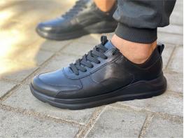 Кроссовки кожаные черные