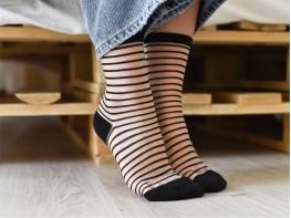 Прозрачные носки с дизайном черные