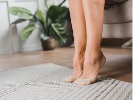 Носки невидимые нейлоновые бежевые с хлопковой подошвой