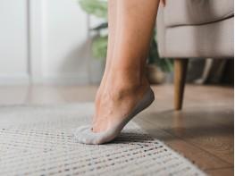 Носки невидимые нейлоновые серые с хлопковой подошвой