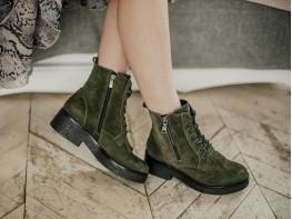 Ботинки замшевые зеленые (болотный) на байке