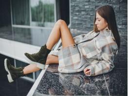 Ботинки замшевые зелёные на байке