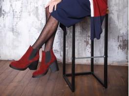 Ботинки замшевые бордовые на байке