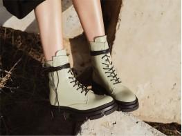 Ботинки кожаные зелёные на байке
