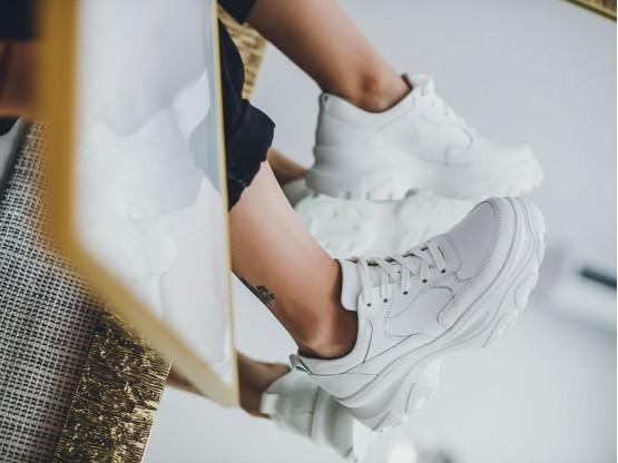 Кроссовки кожаные белые на кожаной подкладке
