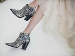 Ботинки кожаные (рептилия) на байке