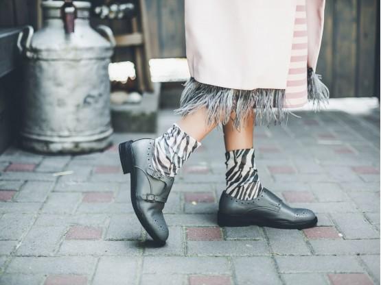 Туфли кожаные серые Monki