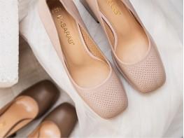 Туфли кожаные кремовые на каблуке на кожаной подкладке