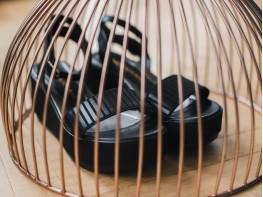 Босоножки кожаные черные (полоса) Helena