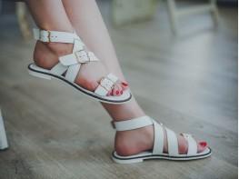 Босоножки кожаные белые Afina