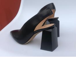 Туфли кожаные черные на каблуке