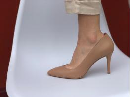 Туфли кожаные бежевые на каблуке