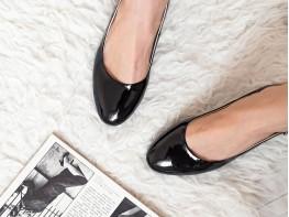 Босоножки кожаные лакированные черные